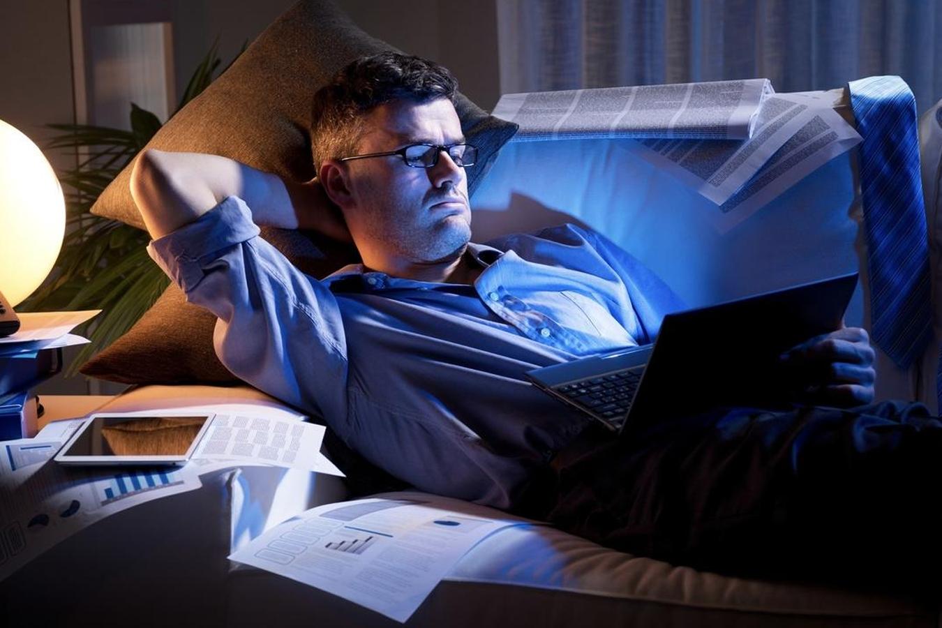 Smartphones, tablets… La luz azul es un riesgo real para nuestros ojos